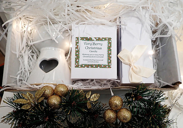 Christmas Gift box with burner, melts and candle