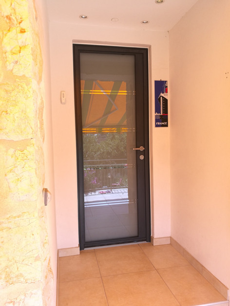 porte d'entrée aluminium, vence, kline, alu videmo, porte vitrée