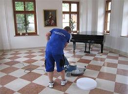 Boden-,Teppich-, Polsterreinigung