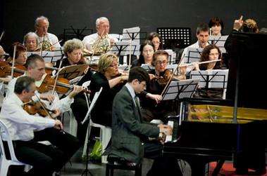 קונצרט שהוקדש לבטהובן - קונצ'רטו לפסנתר מס' 5. בניצוח טליה אילן, פסנתרן אריאל לני