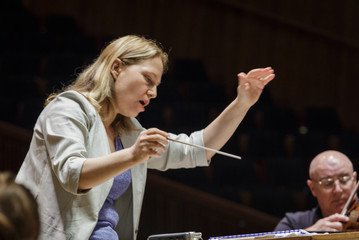Talia Ilan in rehearsal with the Israel Philharmonic Orchestra