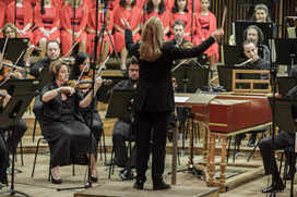 Talia Ilan conducting the Israel Philharmonic Orchestra