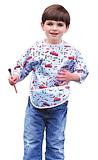 ילד עם סינר שרוול