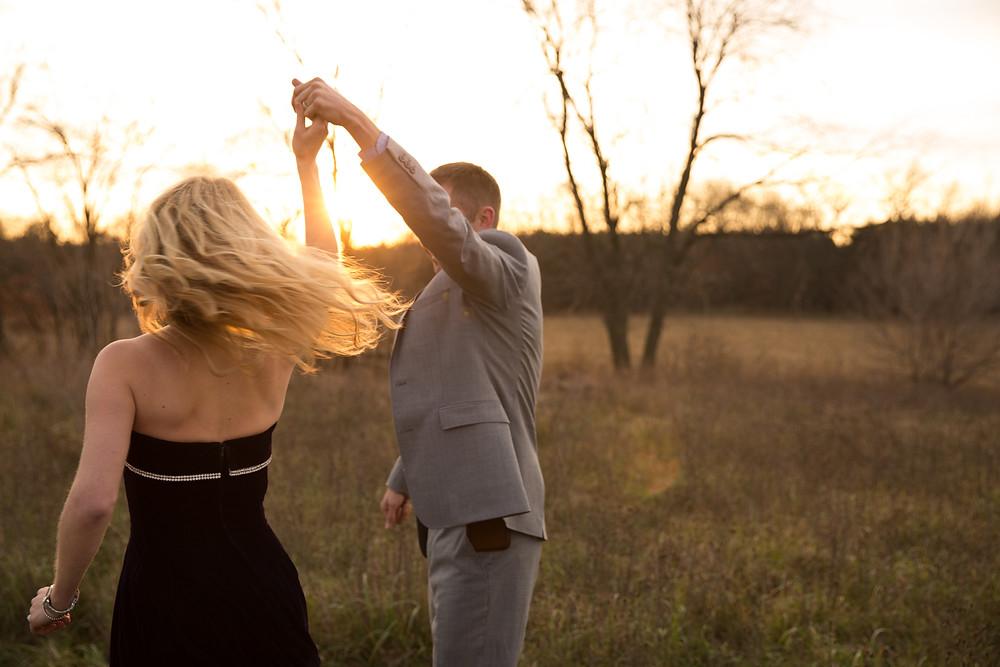 Ellie-Honl-Sunset-dancing