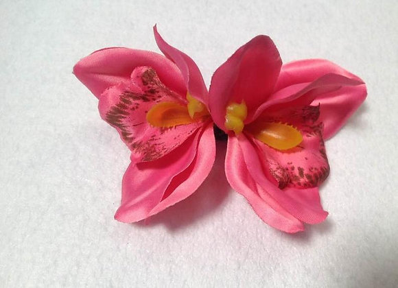 Hawaiian double flower clip. Silk flower clip. Beach wedding,