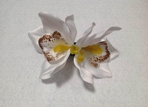 Hawaiian double flower clip. Silk flower clip. Beach wedding, brid