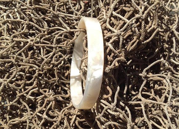 XS White Pearl Faux Shell Bracelet