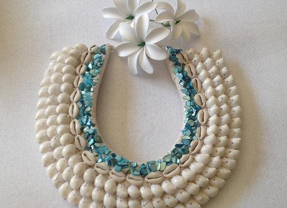 Seashell Polynesian Neckpiece