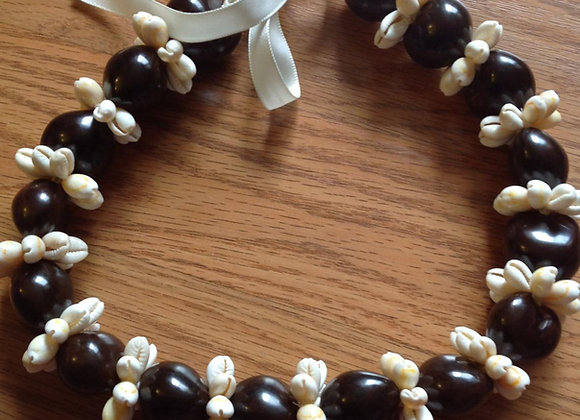 Kukui Nut & Cowrie Shell Rosette Necklace