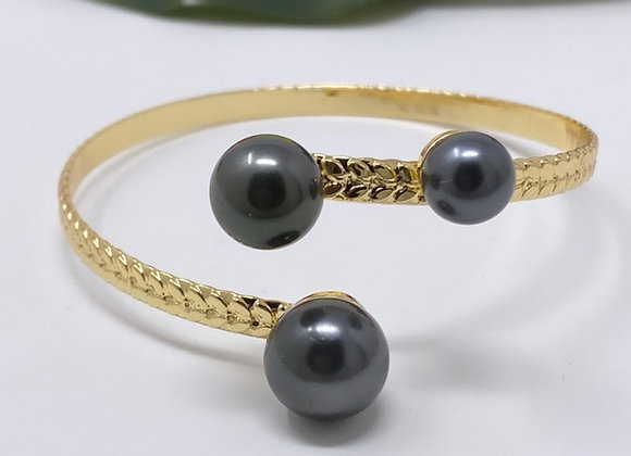 Hawaiian Gold Plated Triple Pearl Bracelet