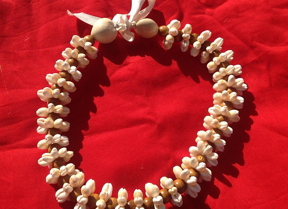 Cowrie Rosette Shells Necklace