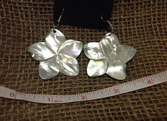 "2 "" Mother Of Pearl Flower Shell Earrings."