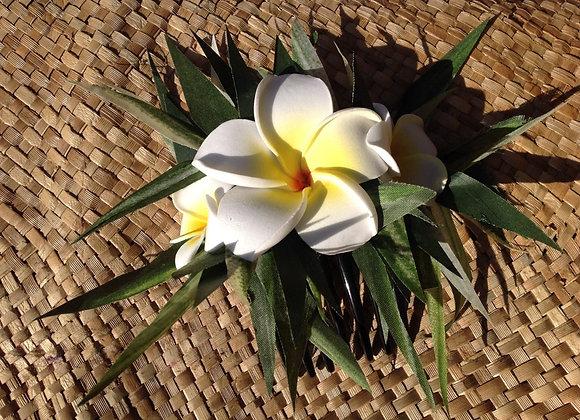 Hawaiian Pua Melia / Plumeria Flower hair comb