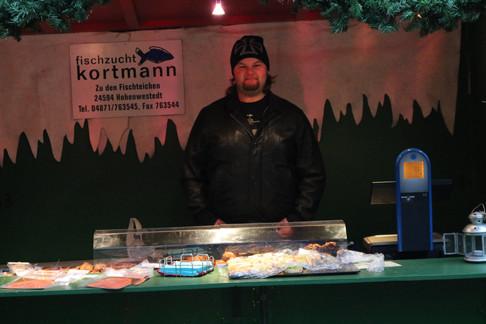 Fischzucht Kortmann bietet Räucherfische an