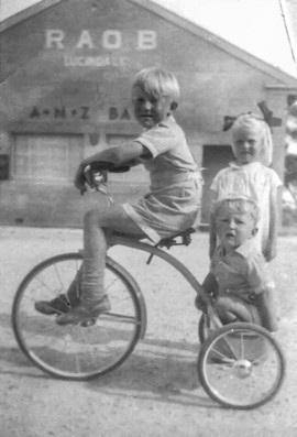 1956 Stphen Marie Peter Licindale 0055 -