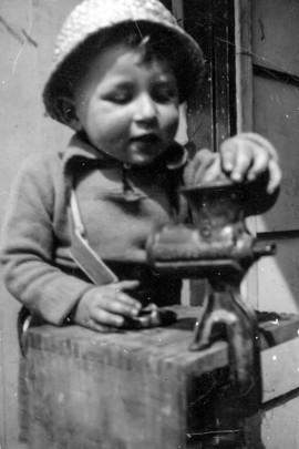 1956 - Old Pics Scans-119 - 72 dpi.jpg