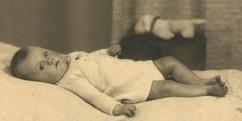 Mieke baby - 72 dpi.jpg