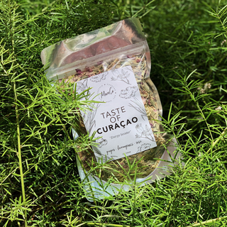 MomCo - 'Taste Of Curaçao' Tea - 100GR
