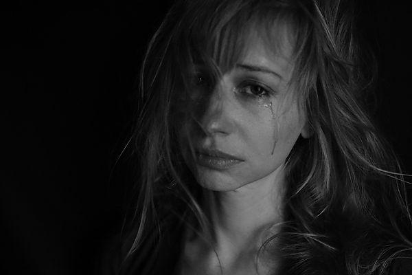 tears-4551435_1920.jpg