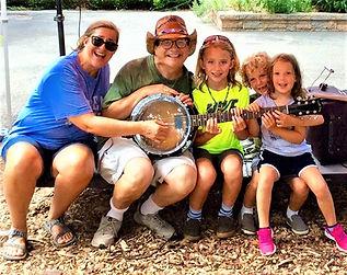 family kids & mom 2019 elmwood park zoo.