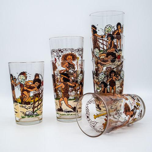 Saftgläser Set mit Steinzeit Comic Figuren, gestapelt