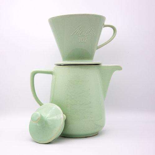 Kaffeekanne und Filter 102 aus der Serie Minden, mintgrüne Glasur, Filter auf Kanne