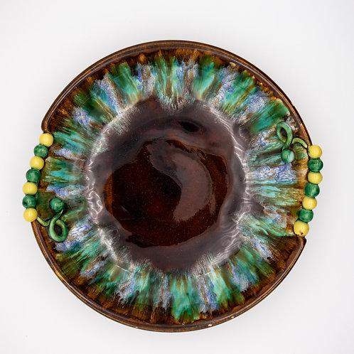 Schale im Stil von Liezen Keramik, von oben fotografiert