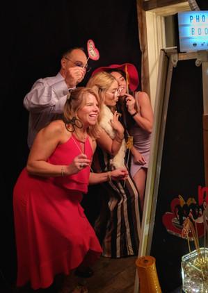 the-yellow-mirror-photo-booth-wedding-ho