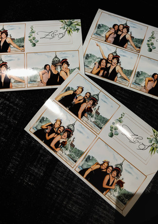 the-yellow-mirror-photo-booth-prints-cus