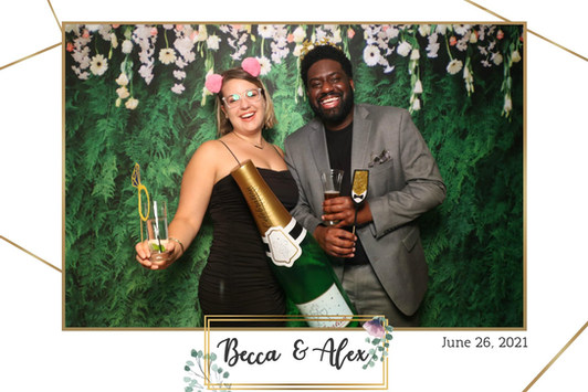 the-yellow-mirror-photo-booth-print-example-wedding-rose-gold-floral.jpg