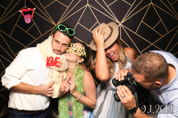 the-yellow-mirror-photo-booth-wedding-print-example-one-photos