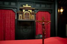 A l'intérieur de la plus ancienne chapelle de Hô-Chi-Minh-Ville.