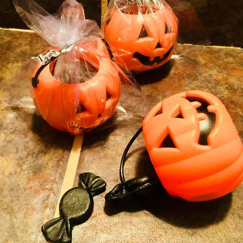 Trick Or Treat Candy Buckets - Holloween Favors, 3 mini. Pumpkin Buckets/5 Soaps