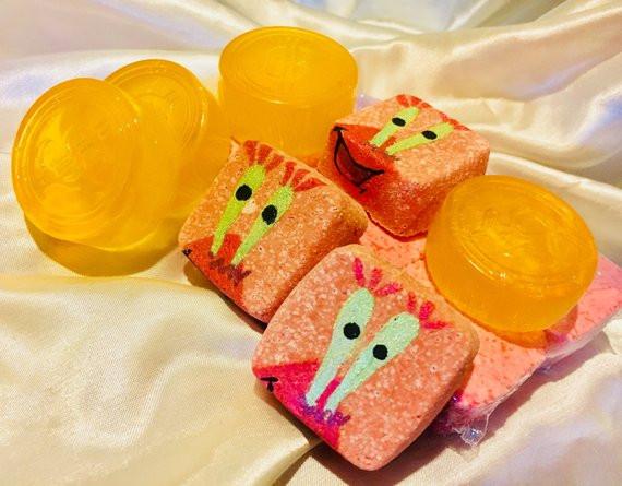 """Sweet Toons Giveaways, Mr.Krab Inspired ""Me, Money""Bath Bomb Set"