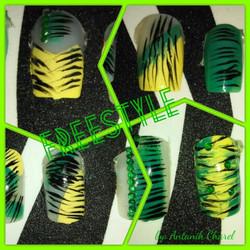 Freestyle Strip Nail Art
