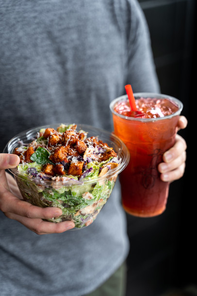 Piada_Hot Chicken Caesar_15.jpg