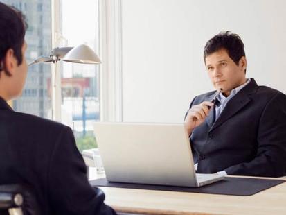 8 erros que você não deve cometer numa entrevista de emprego