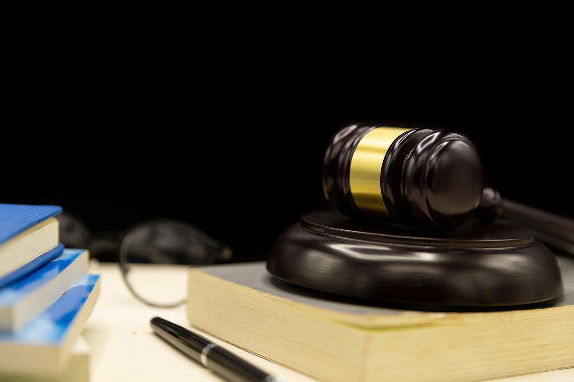 judges-gavel-book-wooden-table-law-justi