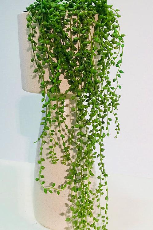 Groene (namaak) hangplant in originele pot DM Depot