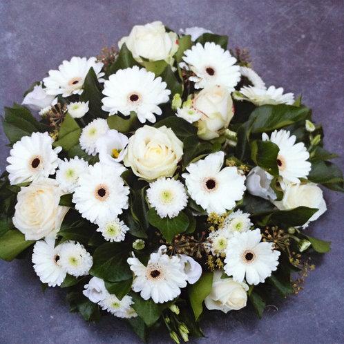 BO 34 Rond stuk met rozen en gerbera's