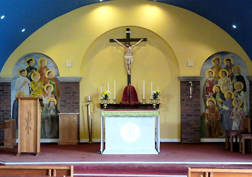 sanctuary-with-murals-English-martyrs-ch