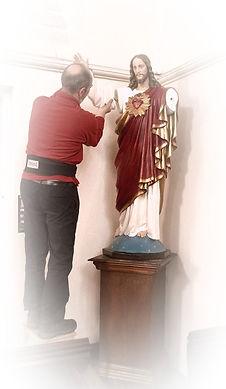 Sacred-heart-Installation-David-Lewis_ed
