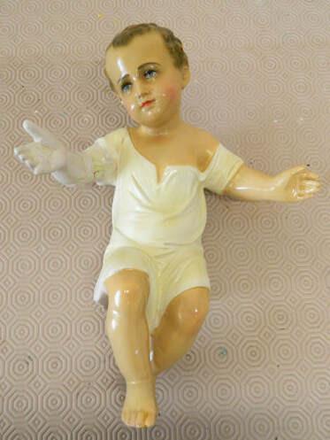 Crib-bambino-needing-arm-repair-restoration-catholic