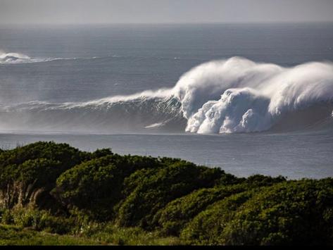 Swell GIGANTE no Havaí desperta JAWS com ondas de até 20 metros e foi um dos maiores da história