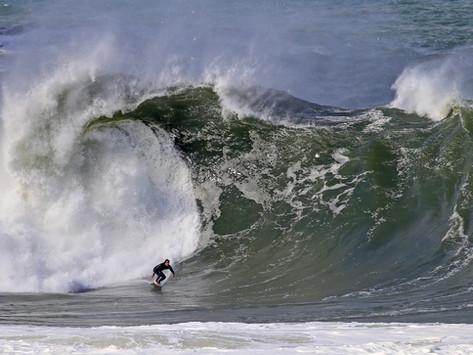 ITACOATIARA BIG WAVE 2021: Swell com ondas de até 4 metros inauguram a competição