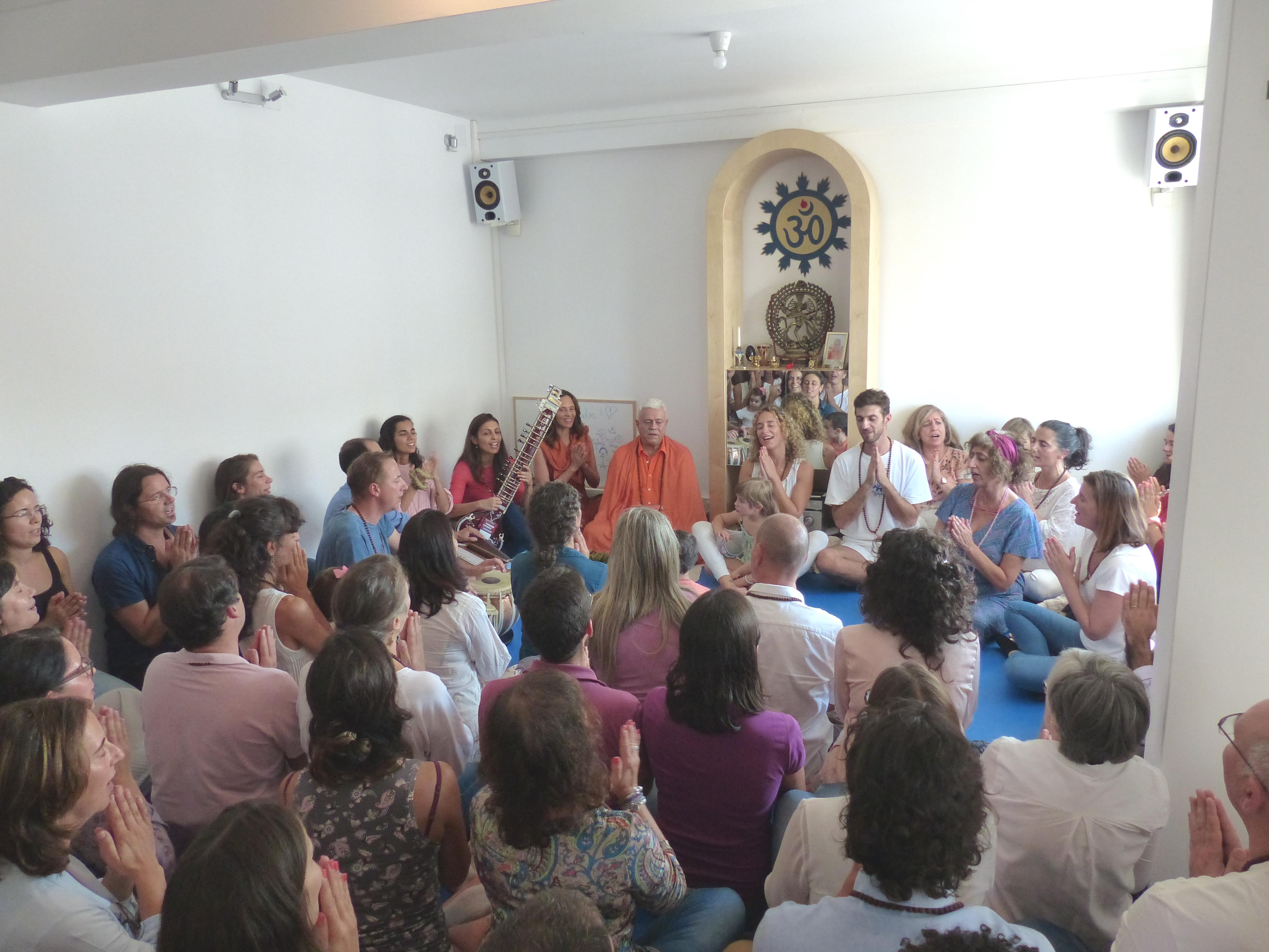 Inauguração do centro do Yoga