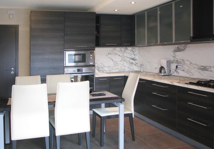 BUCATARIE 3 marble.jpg