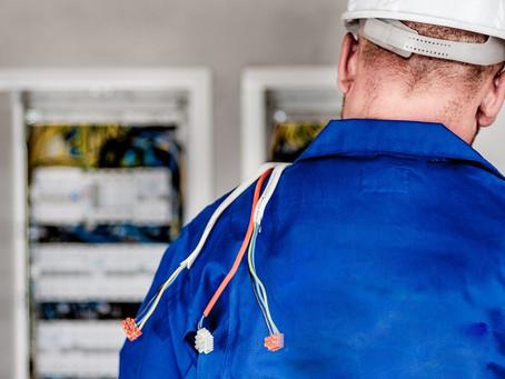Stromausfall, Kabelbrand oder Kurzschluss? Fix helfen lassen