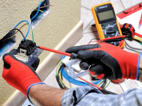 Dein Elektriker in Aachen. Wir beheben Probleme wie Kurschluss, Kabelbrand oder Stromausfall.