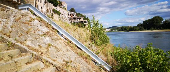 Rail protège le ponton en cas de montée des eaux